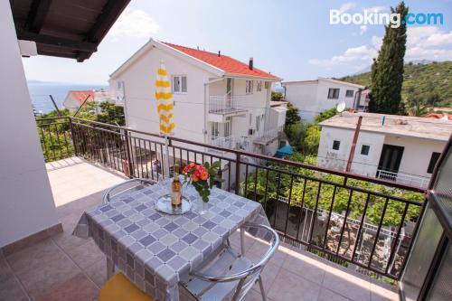 Apartamento pequeño con terraza