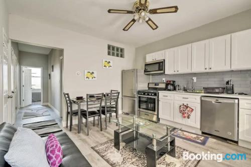 Apartment for 2 people in Jersey City with air-con.