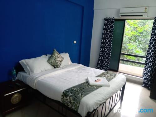Apartamento con terraza en Alibaug.