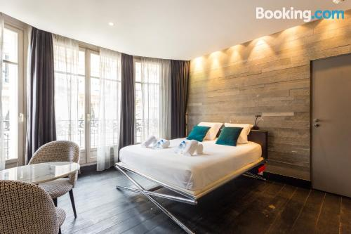 One bedroom apartment in Paris. For two