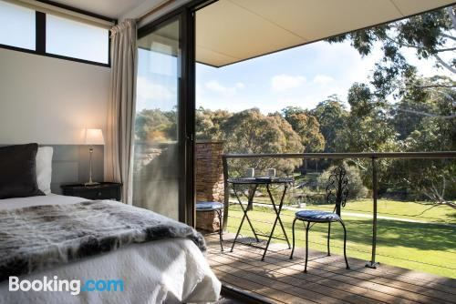 2 bedroom home in Daylesford. Air!