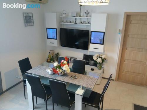 Espacioso apartamento en zona increíble con vistas y conexión a internet