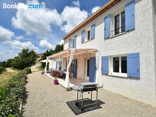 Home for 6 or more in Artignosc-sur-Verdon with internet