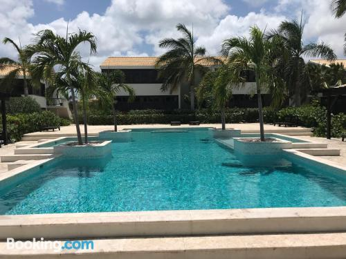 Home with wifi and swimming pool