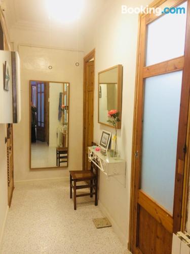 Apartamento con aire acondicionado ideal parejas.
