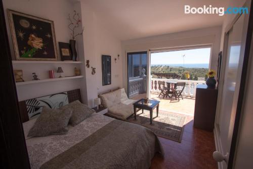 Amplio apartamento de dos habitaciones en Benajarafe