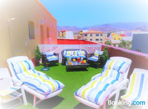 Amazing location in Vecindario with terrace and pool.