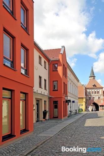 Buena zona y terraza en Stralsund con conexión a internet