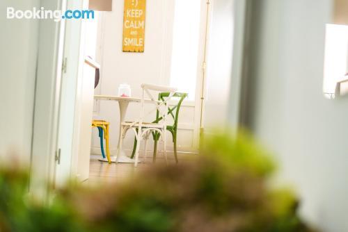 Stay cool: air-con apartment in Granada in superb location