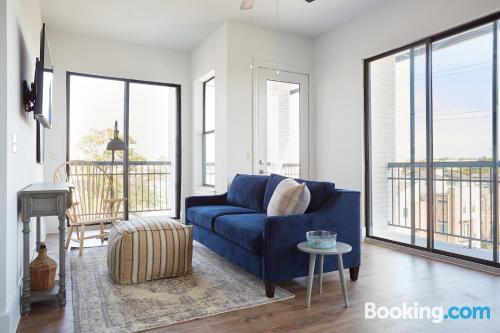 One bedroom apartment in Houston. Internet!