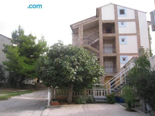 Apartamento bien ubicado con vistas.