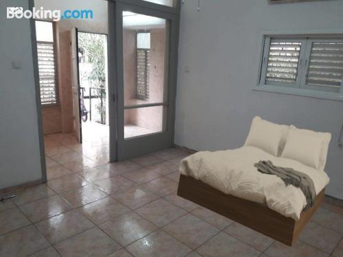 Amplio apartamento de tres habitaciones en Ramat Gan