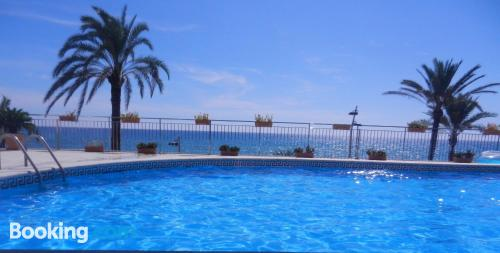 Terrace and internet apartment in Calafell ideal for 6 or more.