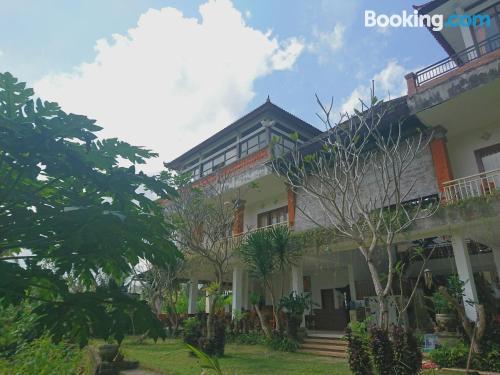 Gran apartamento en Payangan con wifi y terraza.