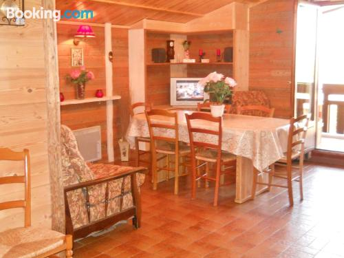 Two bedrooms home in Samoëns with terrace.