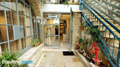 Perfecto, tres habitaciones en Safed.