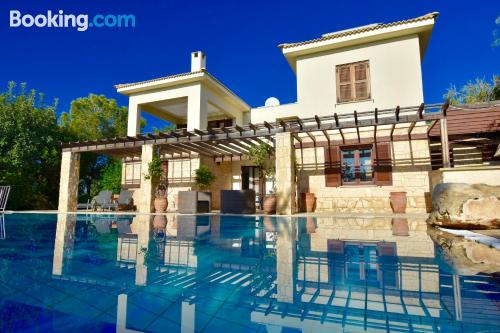 Pool and wifi apartment in Kouklia with terrace