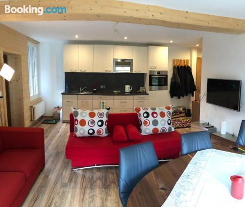 Espacioso apartamento en Brienz con terraza y conexión a internet