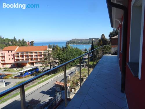 Apartamento de 50m2 en Strunjan con terraza y conexión a internet