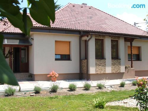 Apartamento de 105m2 en Balatonszabadi con vistas y wifi