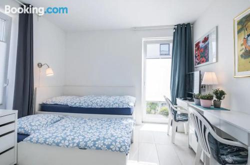 Apartamento para parejas en Hamburgo con terraza y internet.