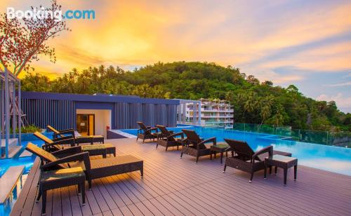 Apartamento con wifi en Surin Beach