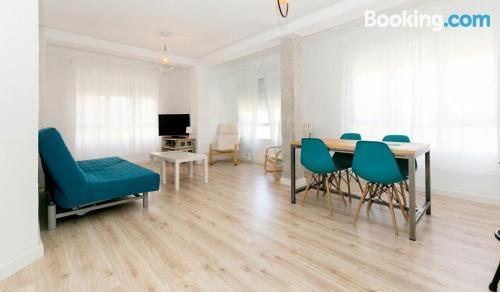 Espacioso apartamento en zona inmejorable para cinco o más