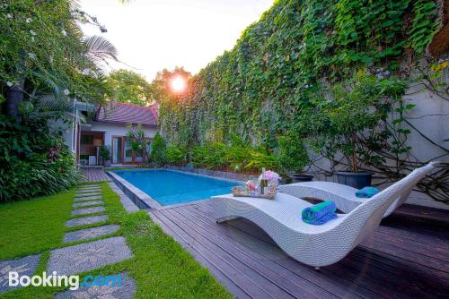 Swimming pool with air-con place, terrace and wifi