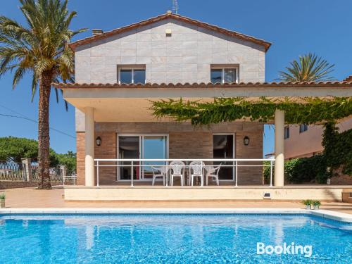 Place with terrace in central location of Empuriabrava