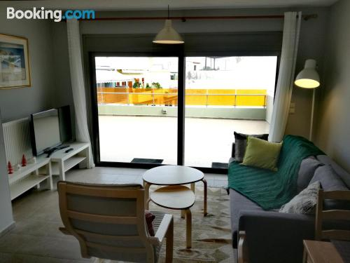Stay cool: air-con apartment in Heraklio Town with terrace and internet