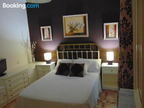 Tres dormitorios en zona centro con internet