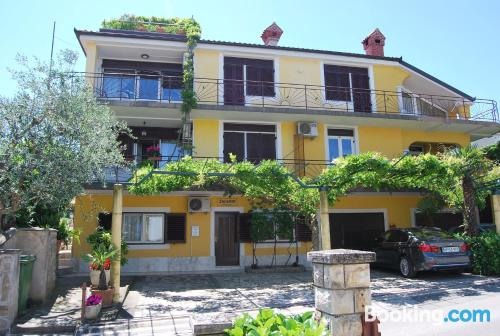 Apartamento de 60m2 en Izola con aire acondicionado