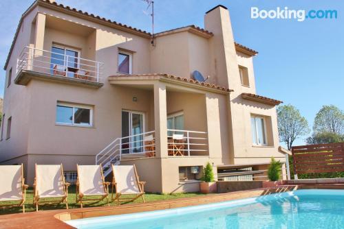 Apartamento de 185m2 en Torroella de Montgrí con vistas y wifi