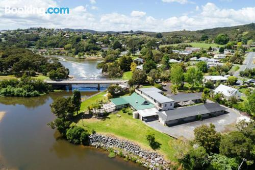 Home for 2 in Paihia. Terrace!