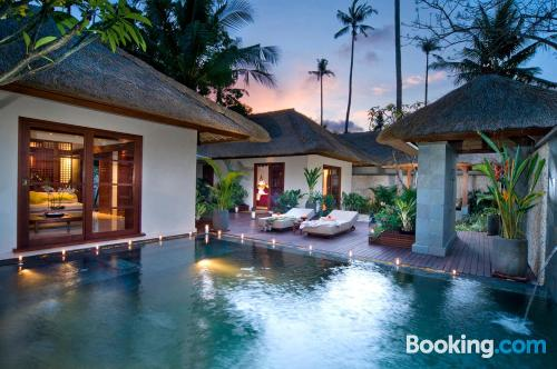 Home with wifi. Enjoy your pool in Jimbaran!