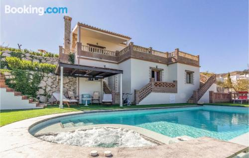 Apartamento con piscina en Viñuela.