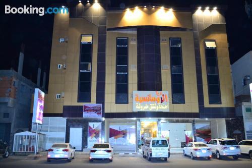 Apartamento de 57m2 en Tabuk con conexión a internet.