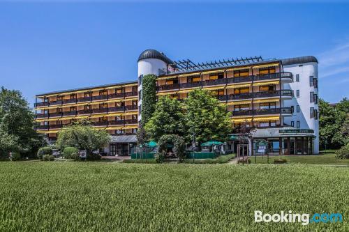 Apartamento con terraza en buena ubicación de Bad Fuessing.