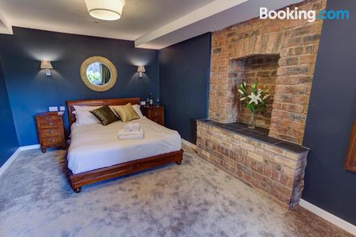 Petite home in downtown for couples