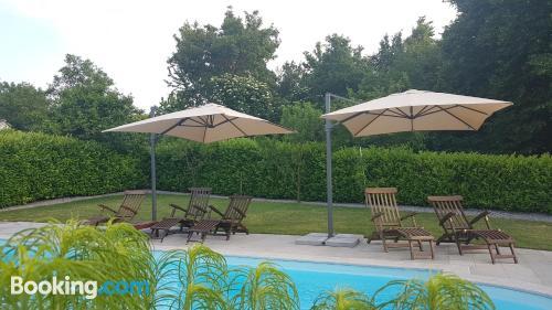 Apartamento con piscina en Sezana