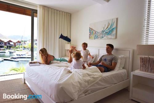 Apartamento de tres habitaciones en Tamarin. ¡Perfecto para cinco o más!