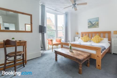 Place for two people in Brighton & Hove with wifi.