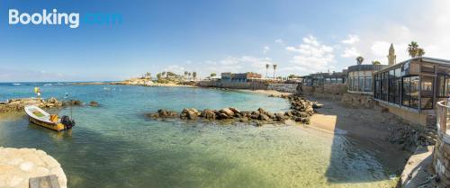 Apartamento en Caesarea. ¡aire acondicionado!.