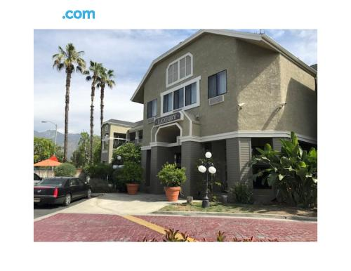 Cute apartment in Monrovia with wifi