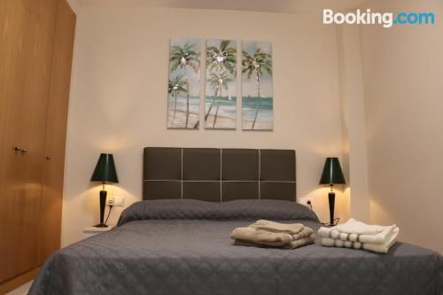 Place in Valencia with internet and terrace