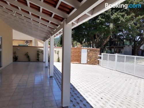 Dos habitaciones en buena zona en Bombinhas