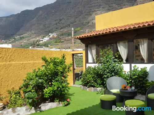 Terrace and wifi apartment in Hermigua with two rooms.