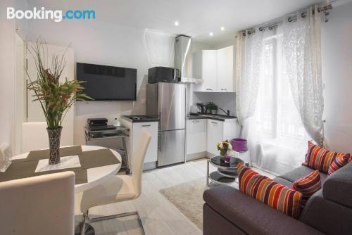 Apartamento pequeño con internet