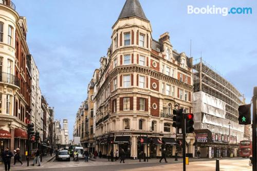 Ideal one bedroom apartment in downtown of London