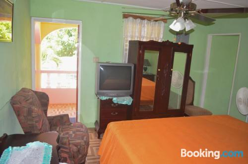 Terrace and wifi apartment in Ocho Rios. For 2